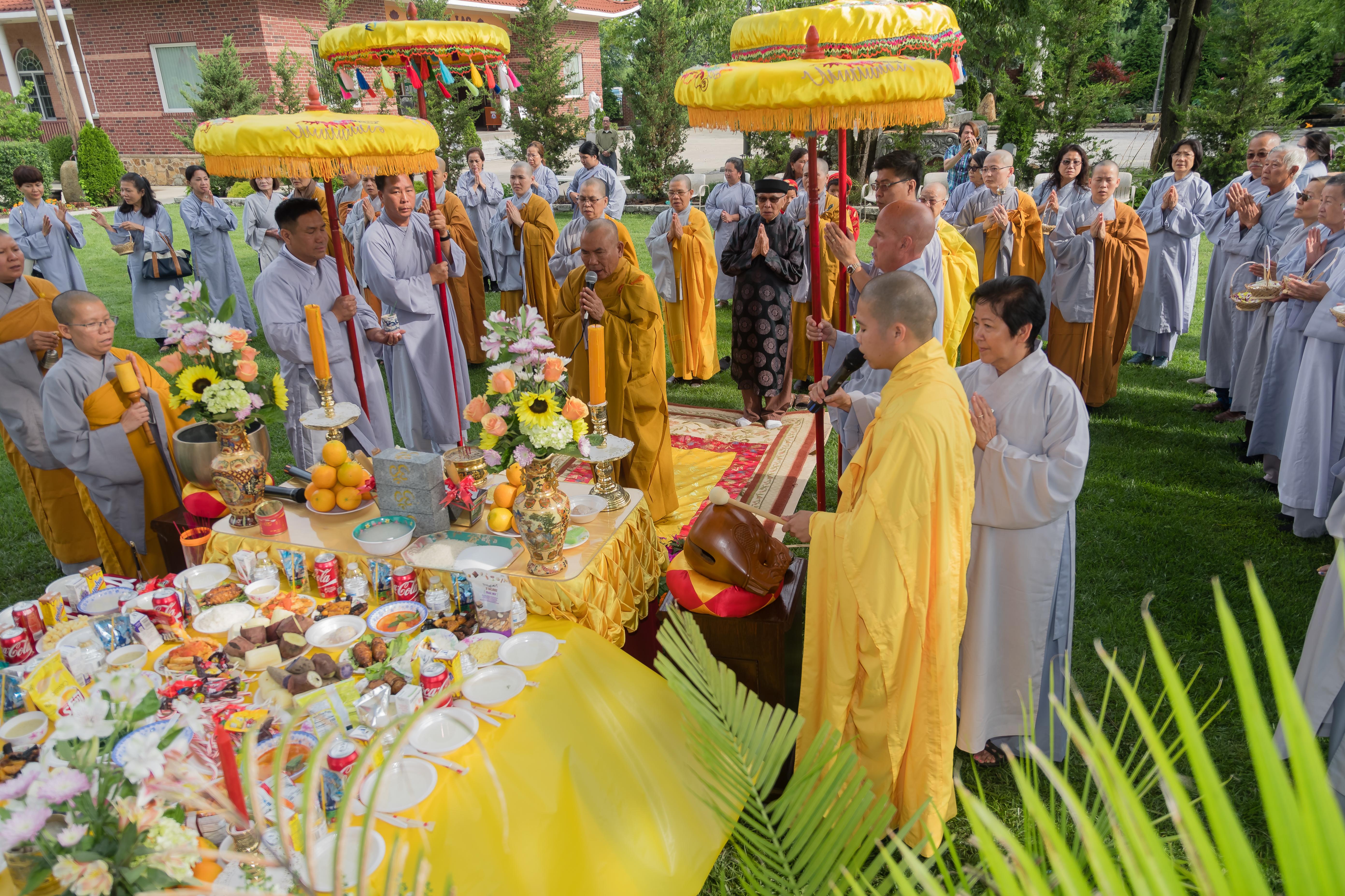 Lễ Đặt Đá Xây Nhà Sinh Hoạt - Ngày 12/07/2017